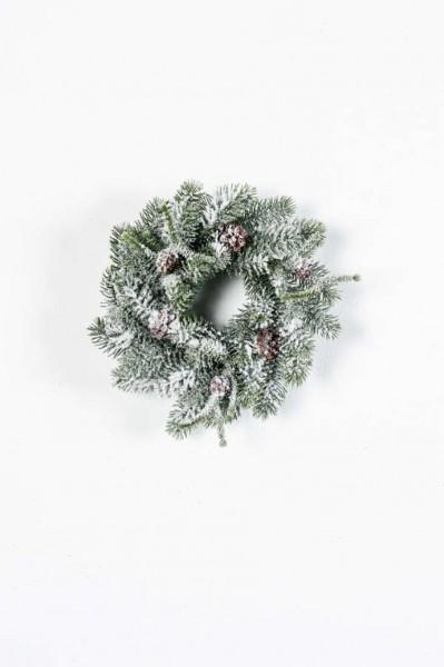 Pine Kunstkranz beschneit