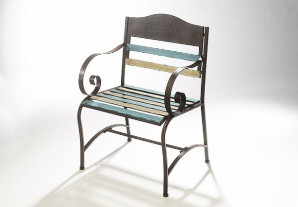Darklights Stuhl aus Metall