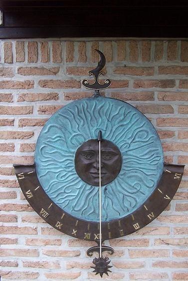 Große Sonnenuhr Helios | Bronze Wandsonnenuhr