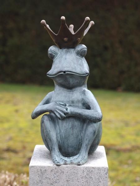 Froschkönig sitzend als Wasserspaier Bronzefigur