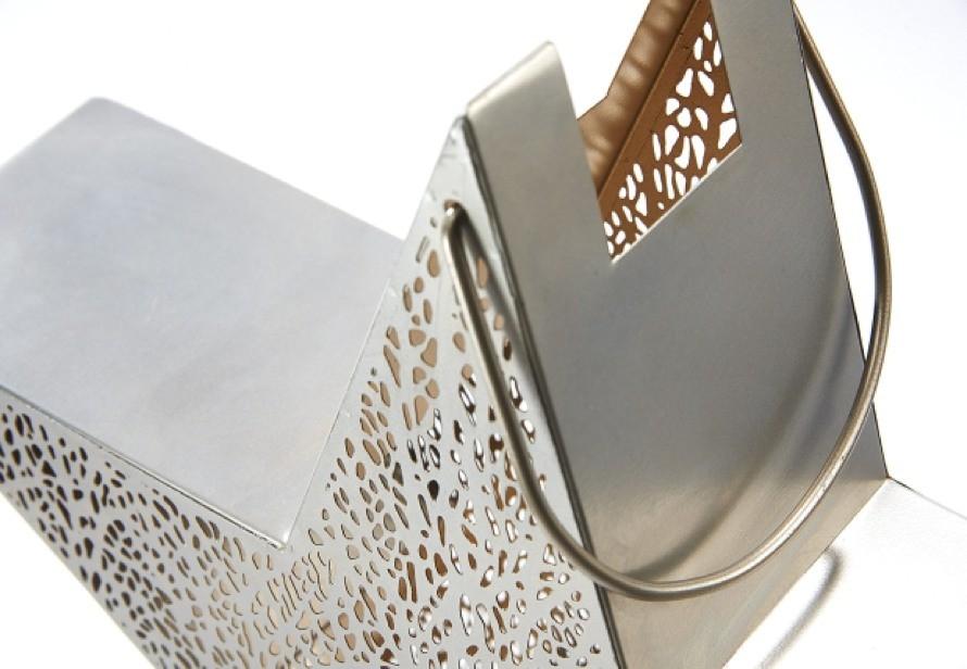 Sternform Laterne silber-gold mit Blattmuster aus Metall