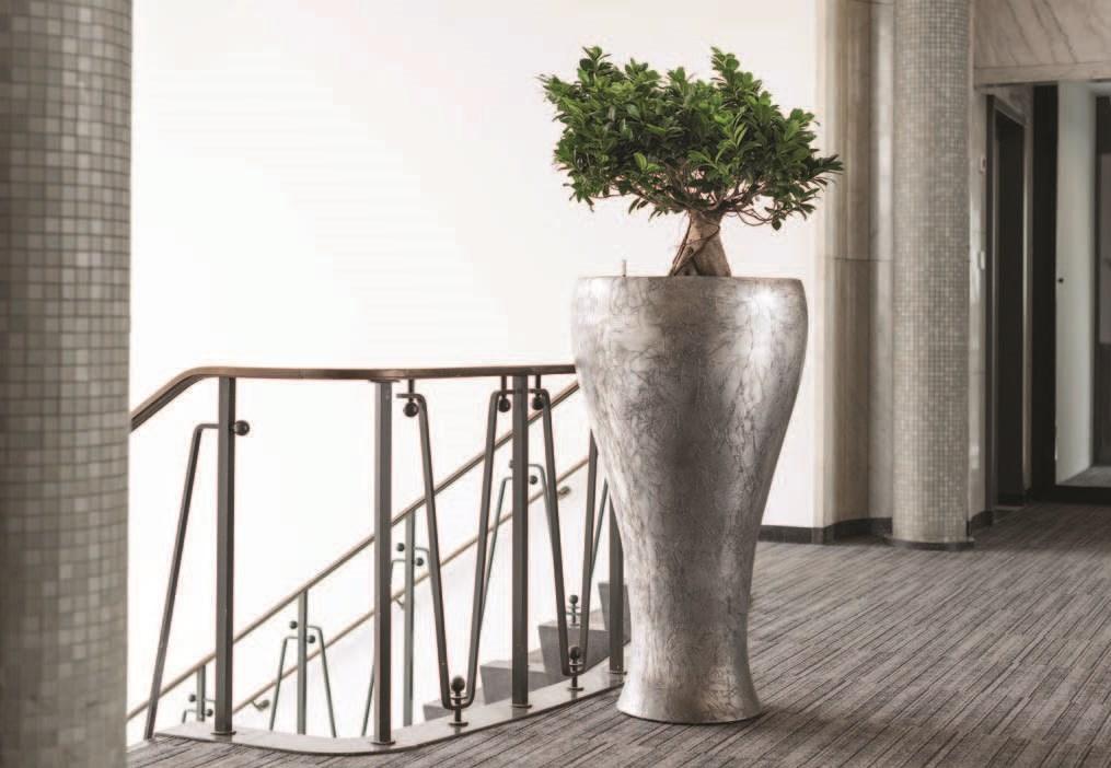 Jago-cavaleiro-planter-fiberglas-pflanzvase-stimmungsbild