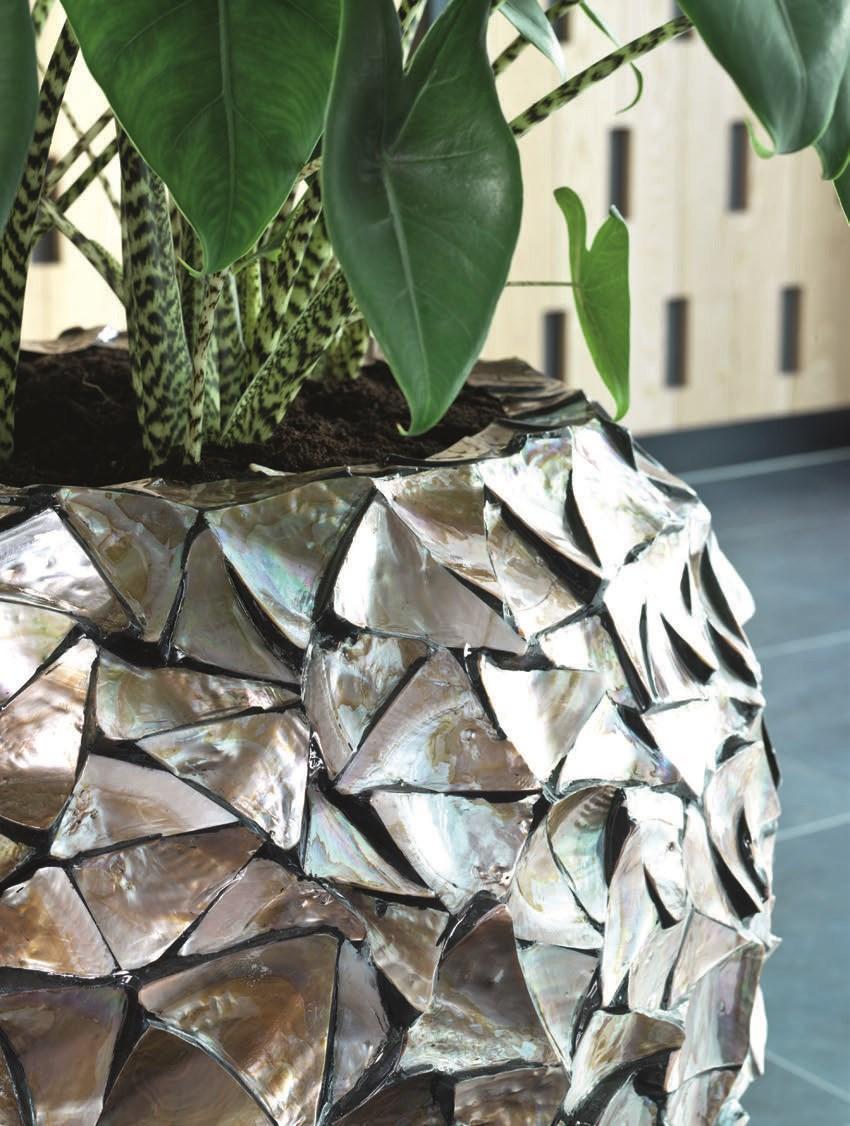 coastline-vase-detail
