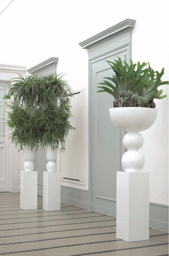 Foyer white