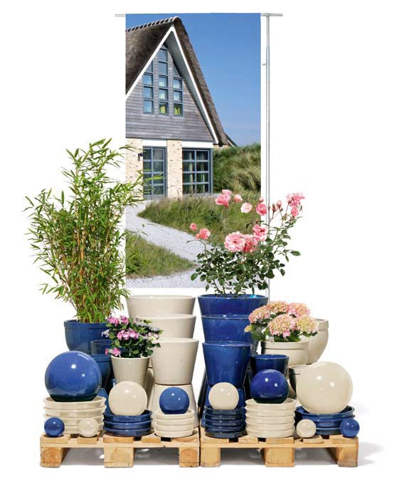 terradura-creme-konigsblau-kermik-kubel-stimmungsbild