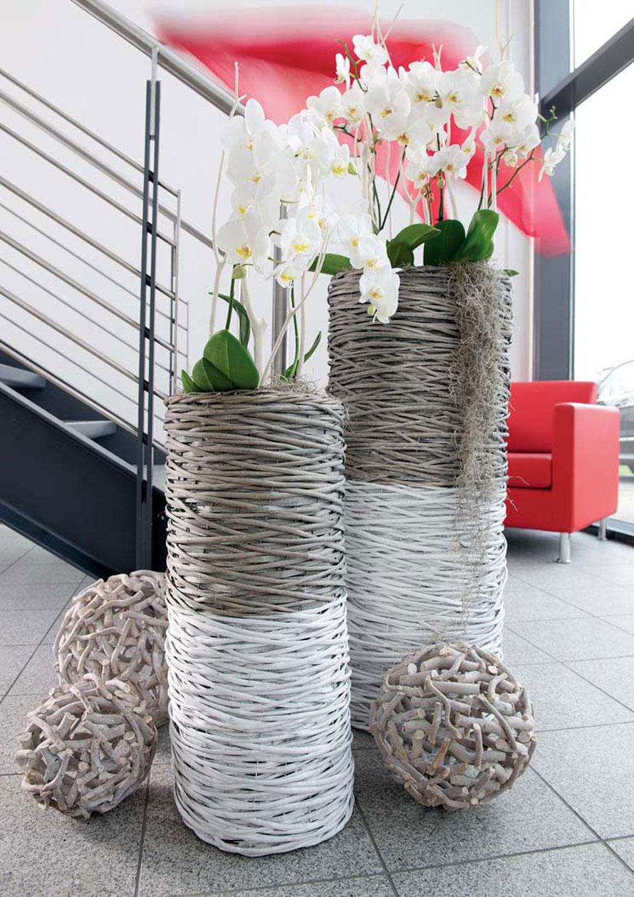 http://www.terrapalme.de/media/image/locker/Chic-Weide-Grauweiss-Uebertopf-Stimmungsbild.jpg