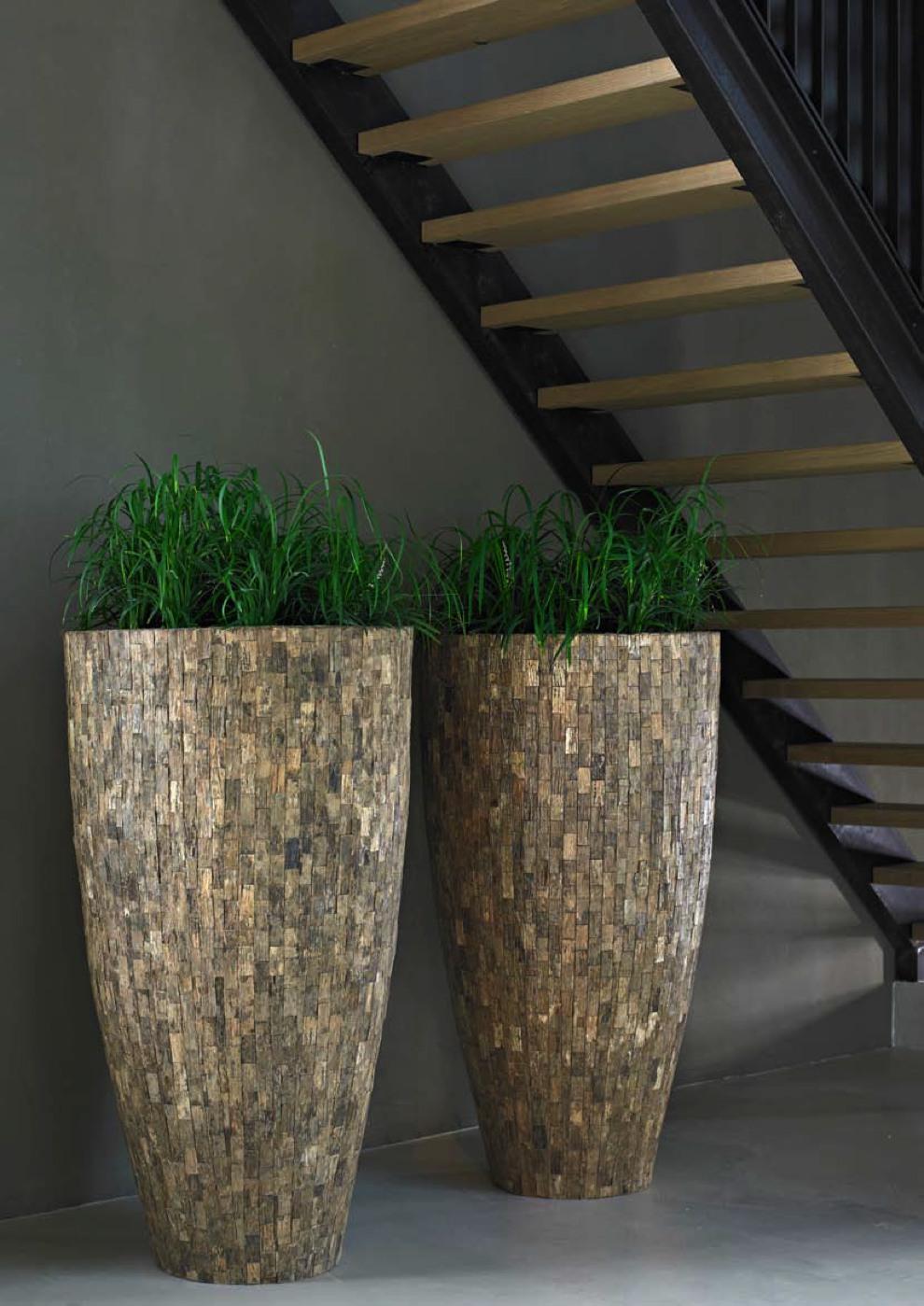 emana-cemani-wood-pflanzvase-stimmungsbild