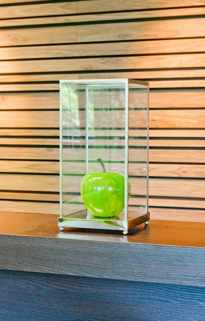 apfel gr n apple fruit ein kunstobjekt aus fiberstone palmenmarkt. Black Bedroom Furniture Sets. Home Design Ideas