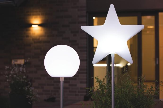8-seasons-shining-globe-leuchtkugel-leuchtstern-auf-stab-stimmungsbild-1