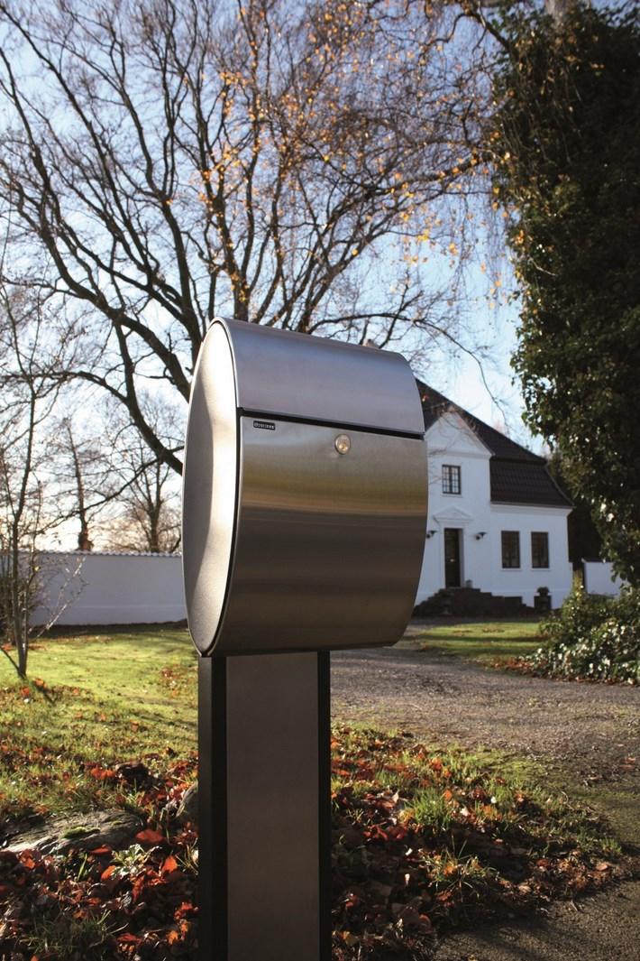 Allux-Ellipse-Briefkasten-Stimmungsbild