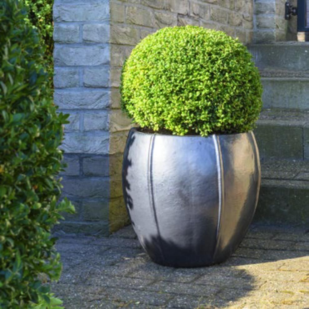 bullet-grau-keramikkuebel-stimmungsbild.jpg