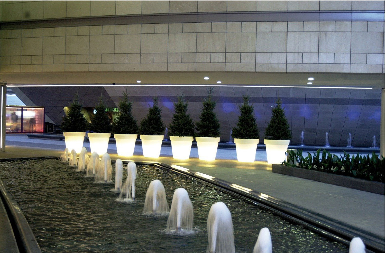 https://www.terrapalme.de/media/image/stimmungsbild/bloom-pot-leuchtkuebel-white-weiss-stimmungsbild-2.jpg