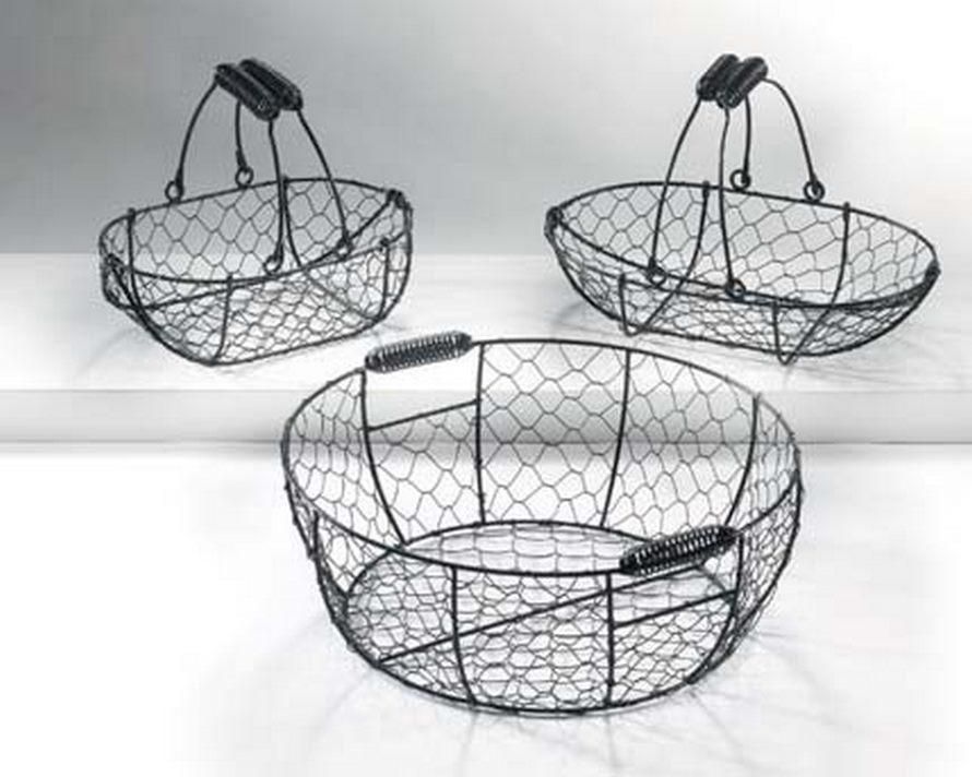 klara schwarzer drahtkorb oval aus metall mit henkel terrapalme heim und gartenshop. Black Bedroom Furniture Sets. Home Design Ideas