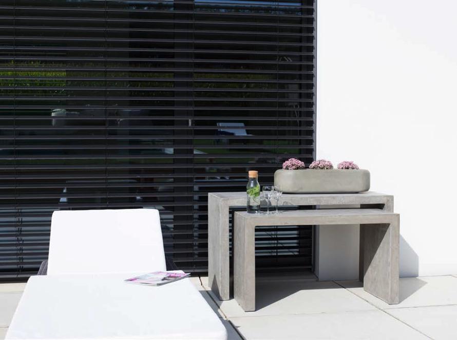 https://www.terrapalme.de/media/image/stimmungsbild/polystone-division-konsole-pflanzkasten-stimmungsbild.jpg